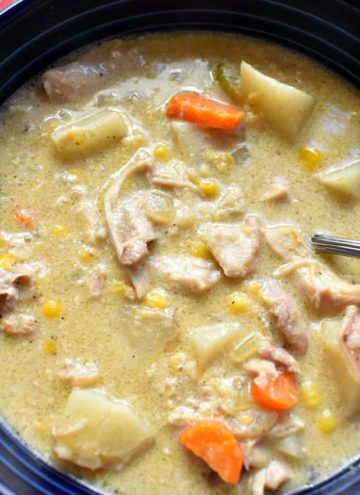 slow cooker chicken and corn chowder, slow cooker chicken, chicken, chicken and corn chowder, chowder